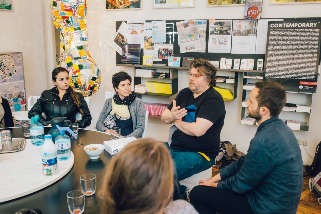 Bei walking chair design studio in wien raum eventdesign for Walking chair design studio vienna