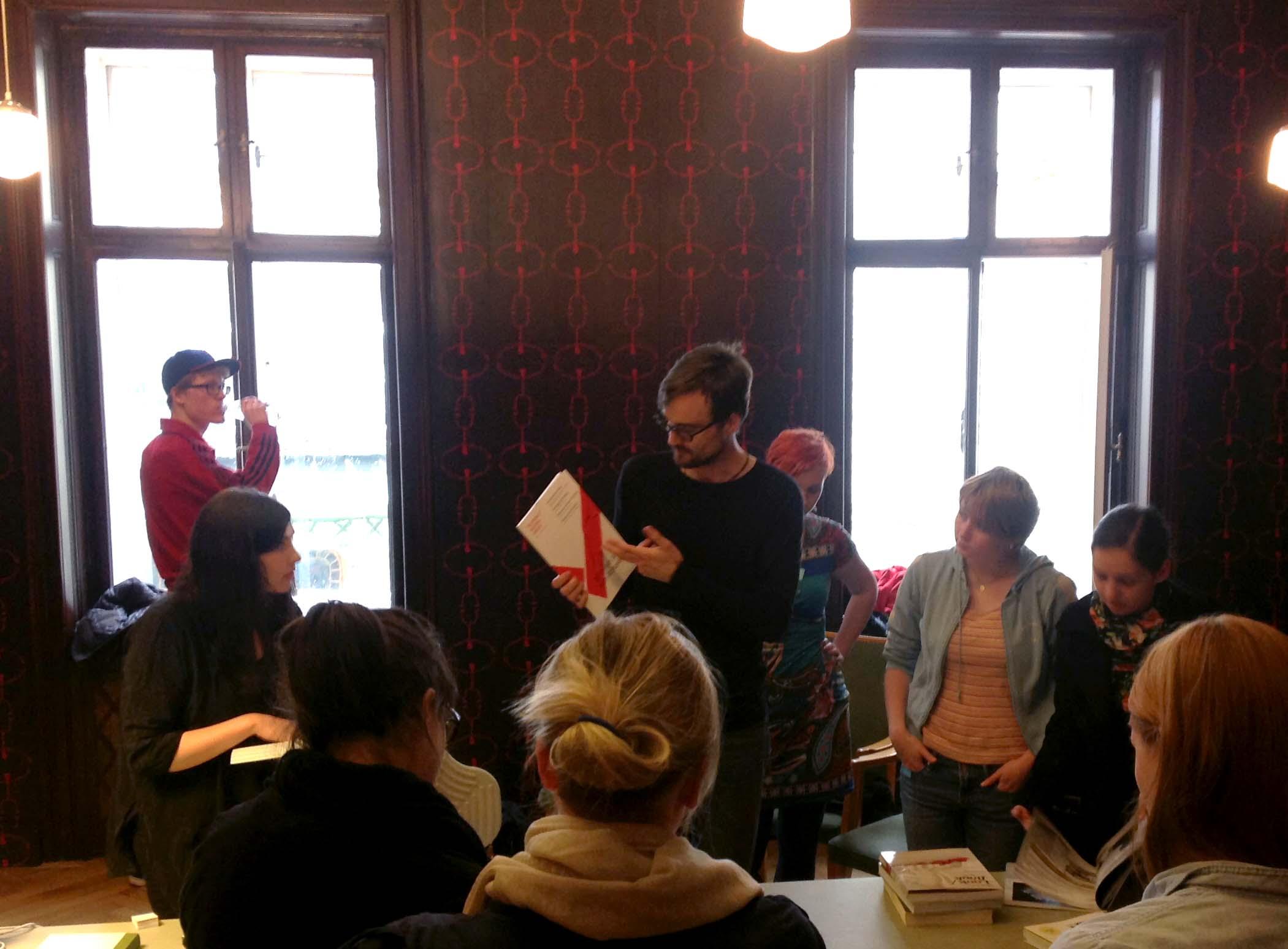 Ralf Herms zeigt uns seine Arbeit.